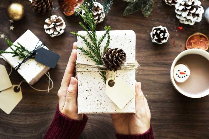 クリスマスプレゼントとは?あげる意味