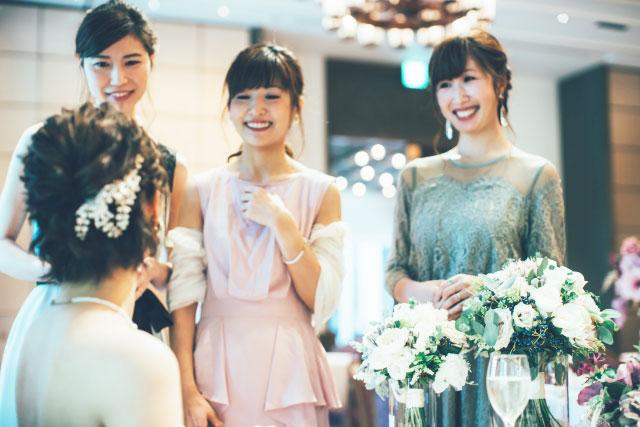 結婚式の当日ゲストが必要な持ち物・女子必需品