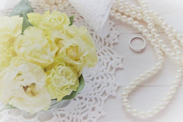 結婚式 バラとパール