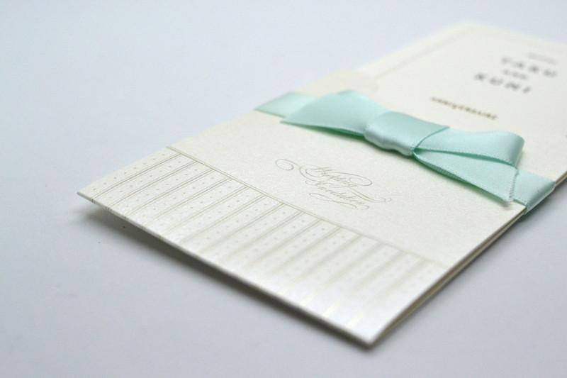 結婚式の招待状カード